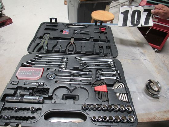 Task Force 42 piece socket set missing ratchet screw drivers and some sockets