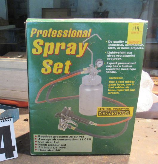 Central Pneumatic proffessional spray paint set new in box