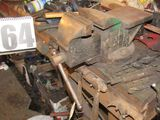 wood work bench with heavy duty vise