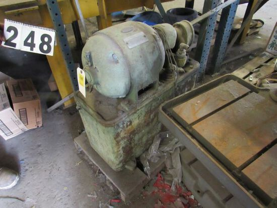 hydraulic power pack motor and pump assembly for large machines