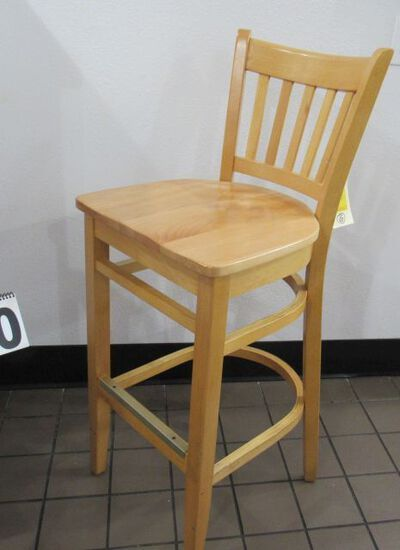 heavy duty bar stools with backs<br><br>Pick up location 585 Cypress Gardens Blvd, Winter Haven, FL
