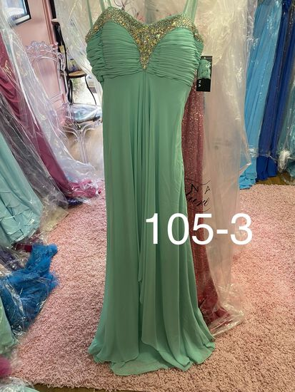 Faviana designer gowns for prom, homecoming, cocktail parties & more. Size 0 & 2