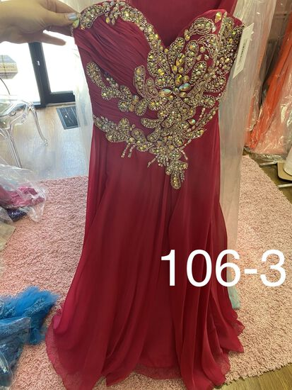 Jovani designer gowns & dresses for prom, pageants, homecoming, cocktail parties, & any formal occas