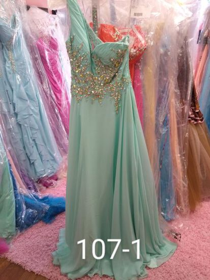 Tiffany evening gowns for prom, pageants, homecoming, cocktail parties, & any formal occasion Size 0