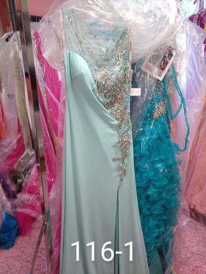 Kiss Kiss formal gowns for prom, pageants, & more. Size 0,2, & 4