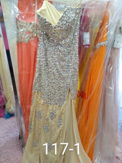 Jovani designer gowns & dresses size 2 & 4 for prom, pageants, homecoming, cocktail parties, & any f