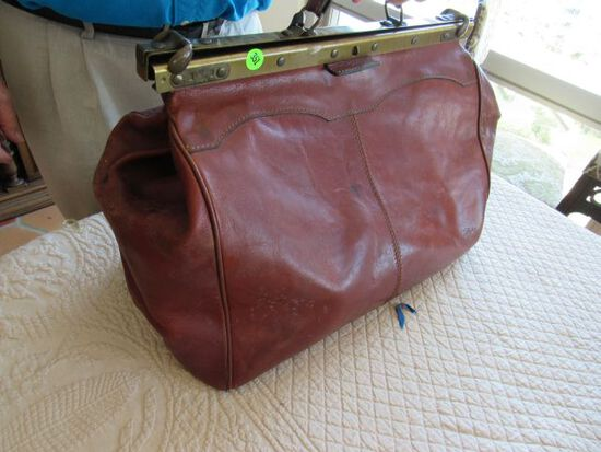 vintage brown leather travel  bag
