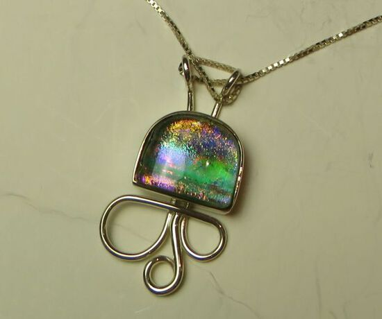 """Sterling w/dichroic glass pendant on 22"""" sterling box chain"""
