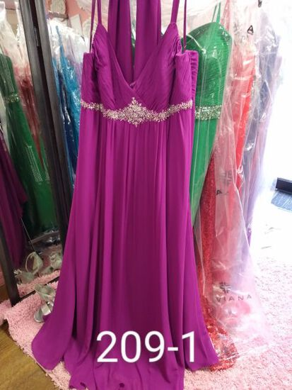 Faviana Formal Gowns for Proms, Pageanst, & Formals Occasions. Plus Size. Sizes 22 to 24W