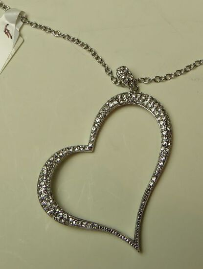 "Silver tone heart pendant on adjustable 16"" - 19"" chain"