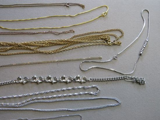 group of 10 neclaces mostly chain