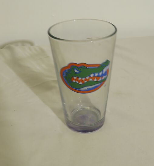 beer glasses with Gator head logo (packed in2 cases of 24)