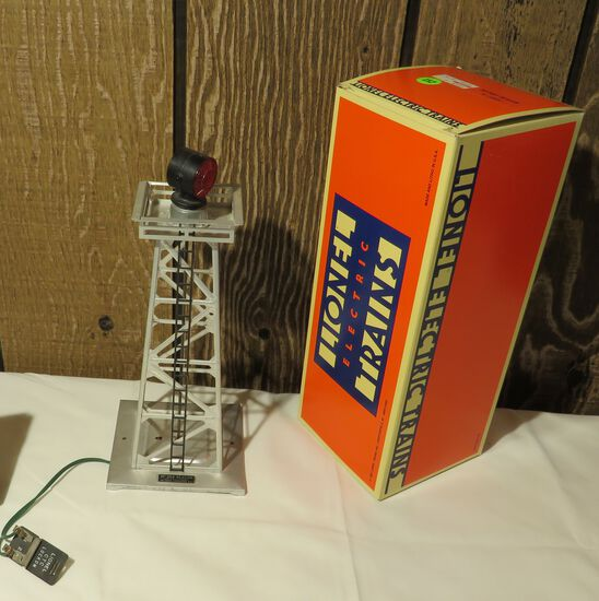Lionel Rotary 394 electric train beacon with box