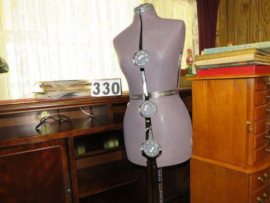 adjustable dress makers stand (mannequin)