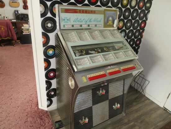 Seeburg Stero Jukebox  plays 45 rpm records full menu included excellent condition