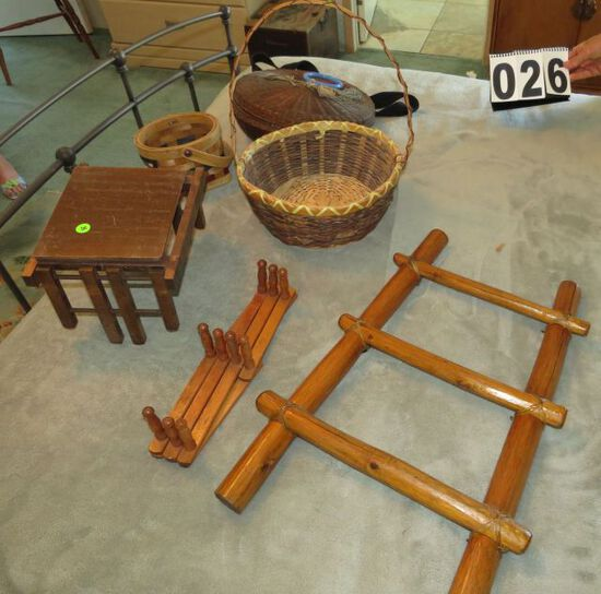 Basket collection, small decorative folding table, Japanese rattan 3 step ladder