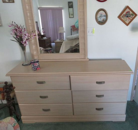 Blonde finish bedroom set: 2 nightstand, dresser, chest of drawers -no bed