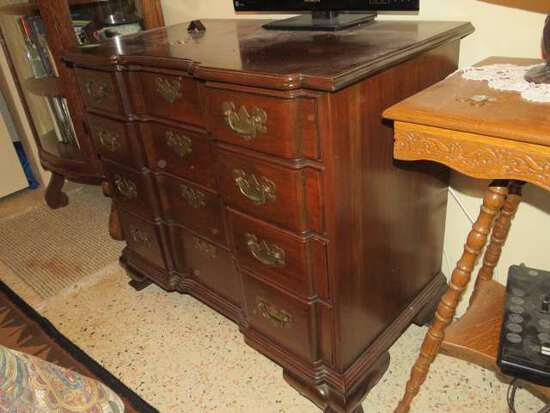 antique mohogany chest of drawers