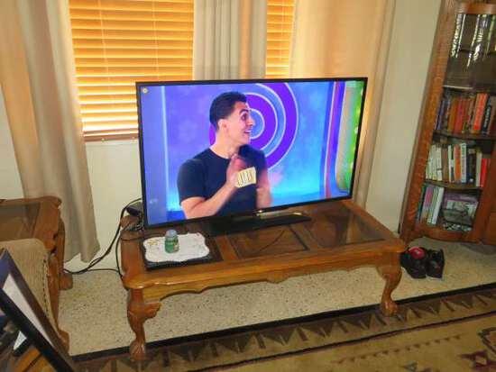 """Hitachi 49"""" diagonal  lcd television"""