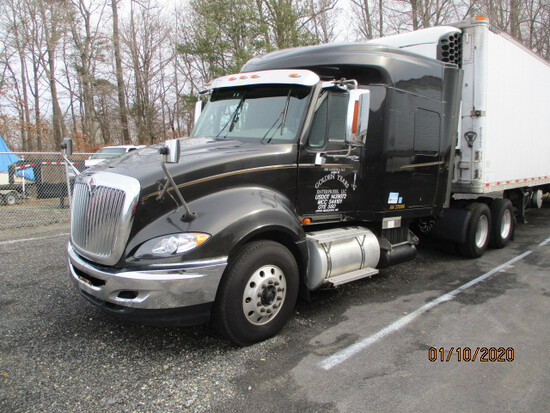 2010 INTERNATIONAL PROSTAR  ROAD TRACTOR WITH SLEEPER