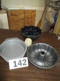 LOT-ASST. CAKE PANS