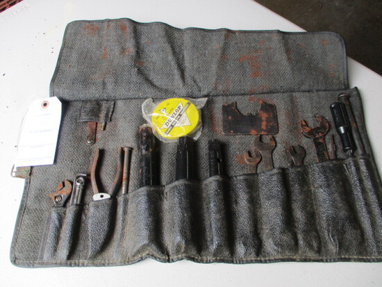 VINTAGE JAG TOOL KIT-XKE-14 POUCH BLACK LEATHERETTTE