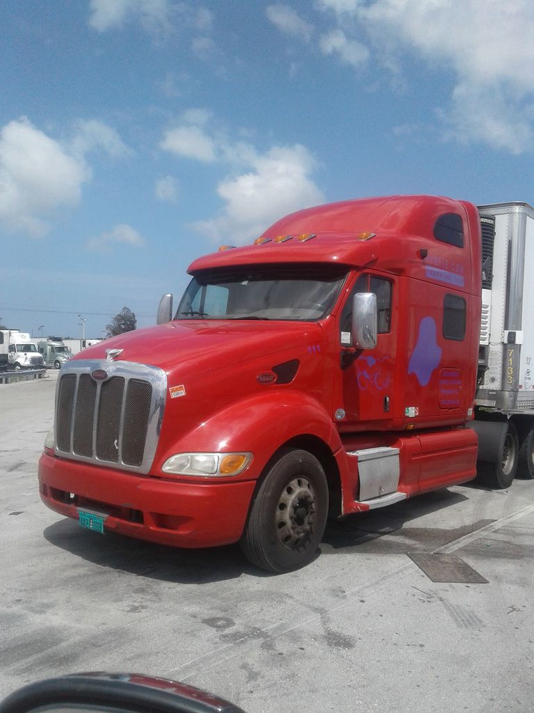 FLEET OF BIG RIGS & TRAILERS AUCTION
