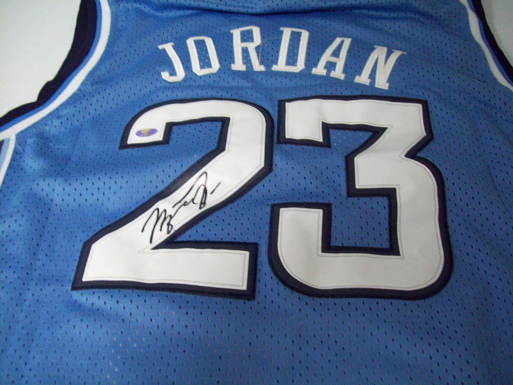 more photos 4c1d0 8ffe0 Lot: Michael Jordan North Carolina Tar Heels Signed ...