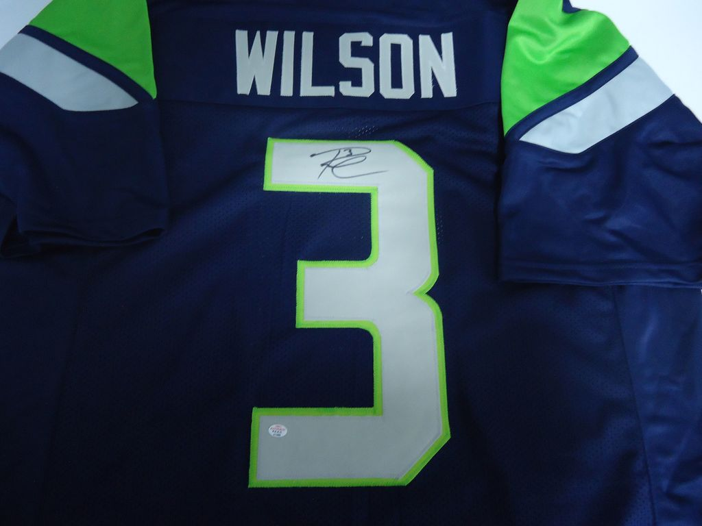 separation shoes 3c4dd d63b7 Lot: Russell Wilson Seattle Seahawks Signed autographed ...