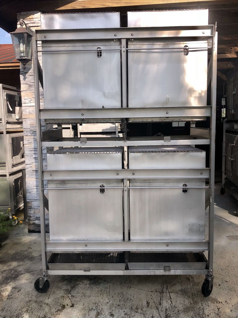 Lot: Lab Products Inc  Large Aluminum Animal Cages Kennels