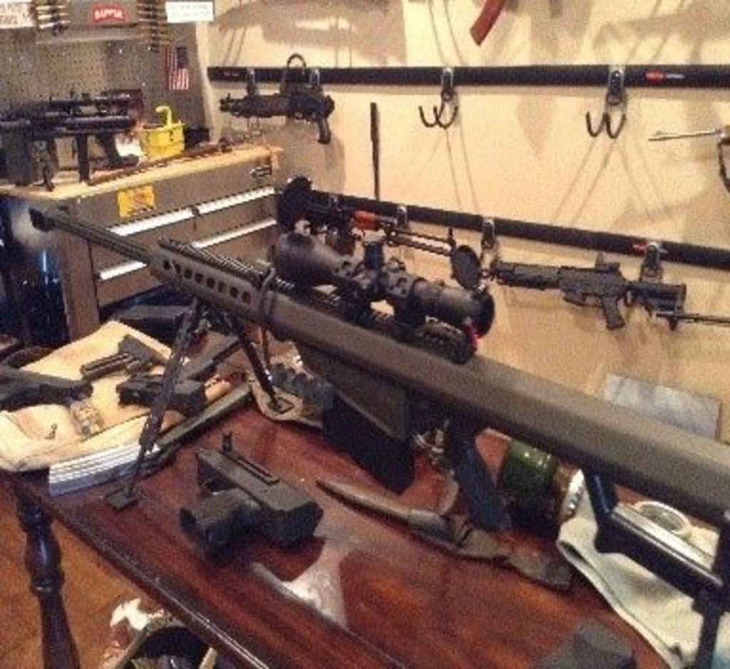 GUN & FIREARM AUCTION