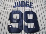 Aaron Judge of the New York Yankees signed autographed baseball jersey ATL COA 433