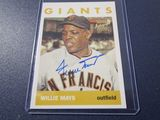 Willie Mays of the San Francisco Giants signed autographed 1996 Topps Certified Auto baseball card