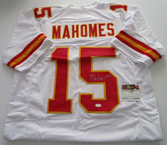 Patrick Mahomes,Kansas City Chiefs Quarterback Star, Autographed Jersey w COA