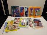 LOT OF 18 ASSORTED BASEBALL ROOKIE CARDS THOMAS JOHNSON BAGWELL MARTINEZ++