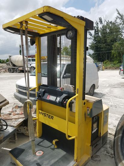 Yale Electric Forklift Low Hours with Charger