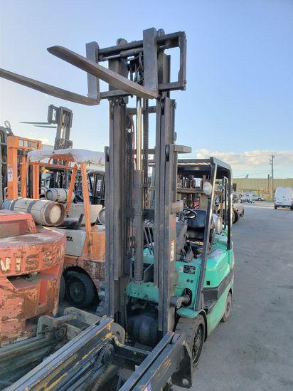 Mitsubishi FGC 25 K 5000 LB Capacity Forklift Propane Powered