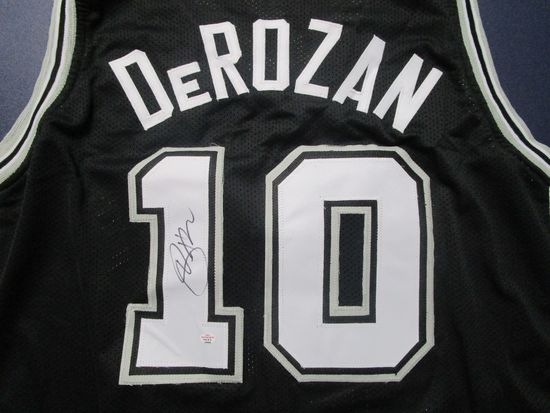 DeMar DeRozan of the San Antonio Spurs signed autographed basketball jersey PAAS COA 889