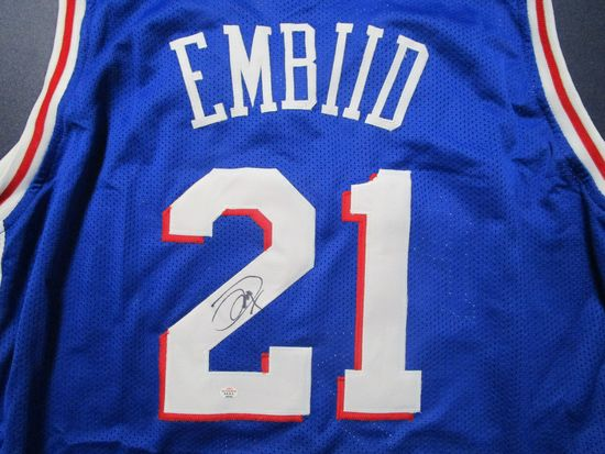 Joel Embiid of the Philadelphia 76ers signed autographed basketball jersey PAAS COA 040