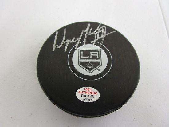 Wayne Gretzky of the LA Kings signed autographed logo hockey puck PAAS COA 937