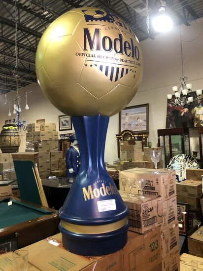 "48"" Modelo Soccer Ball Display"