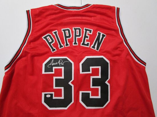 Scottie Pippen of the Chicago Bulls signed autographed basketball jersey PAAS COA 683