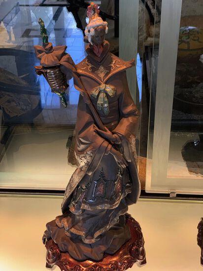 Oriental Geisha Llardo with stand