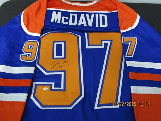 Connor McDavid of the Edmonton Oilers signed autographed hockey jersey PAAS COA 198