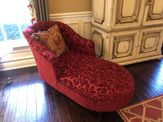 Elegant Red Chaise Lounger