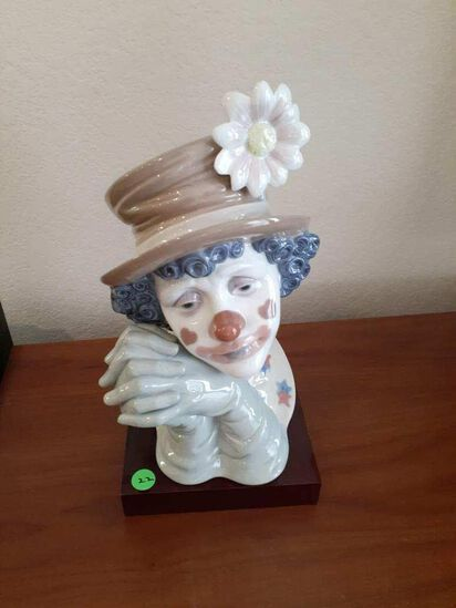 Lladro - Lady Clown with flower hat Bust with rosewood base - Daisa 1988