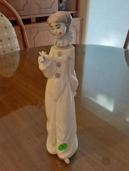 Lady Clown holding flower - Lladro - Daisa 2003