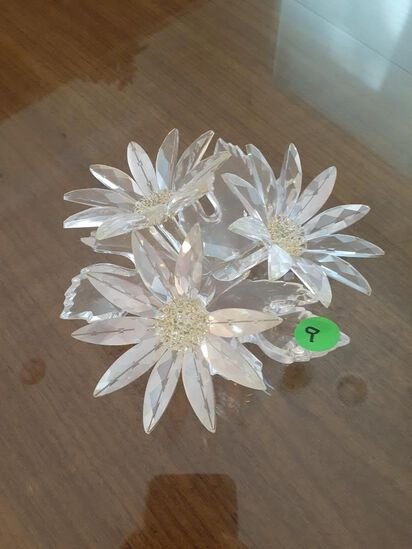 Three beautiful flowers - Swarovski Crystal