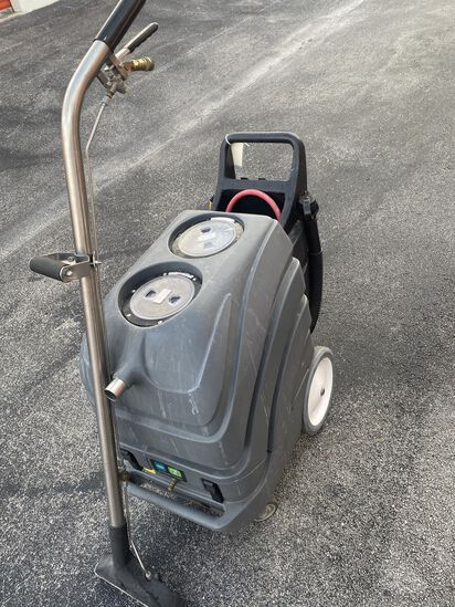 Tennant Nobles Carpet Cleaning Extractor model- EX-CAN-15HPH high pressure and heat extractor