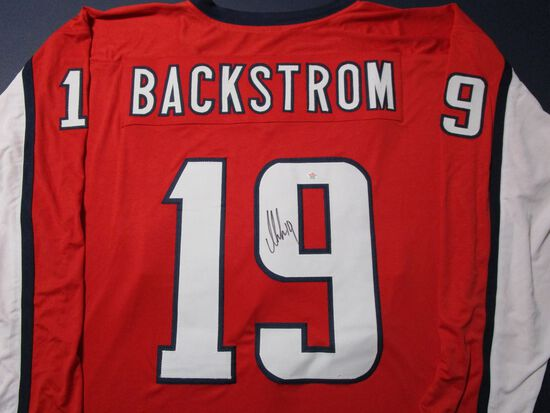 Nicklas Lidstrom of the Detroit Redwings signed autographed hockey jersey PAAS COA 719